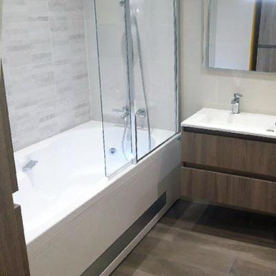 salle de bain : baignoire
